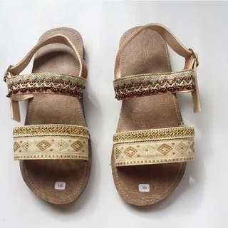 Sandals Etnik Gold