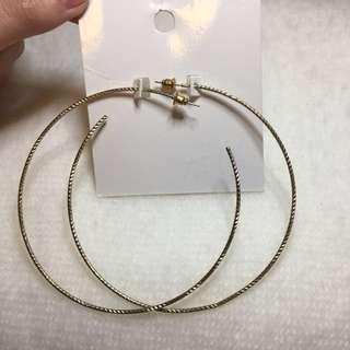 H&M GOLD HOOP EARRINGS
