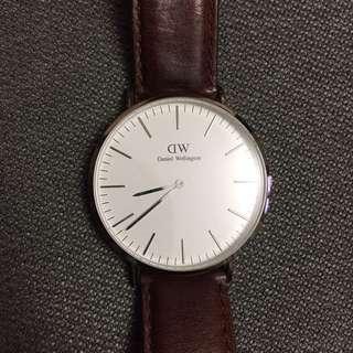 Daniel Wellington DW 38mm chronograph watch