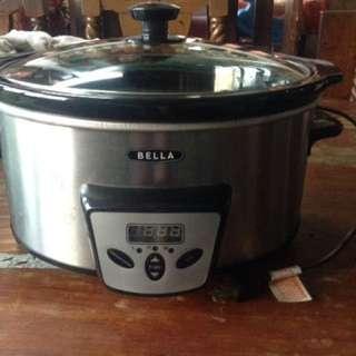 BELLA 5-Quart Programmable Slow Cooker