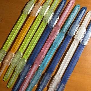 plastic fasteners!!👀