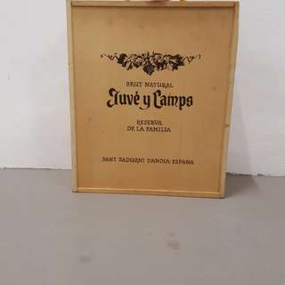 Juvè y camps Wooden hand carry box