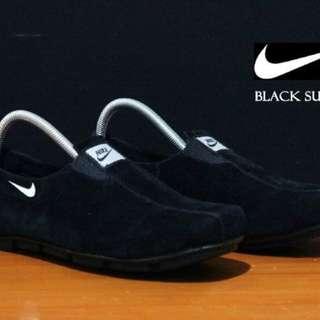 sepatu nike slipon kulit suede black santai original handmade