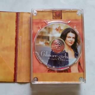 2 set of Gilmore Girls Season 1 and 2 still in good condition