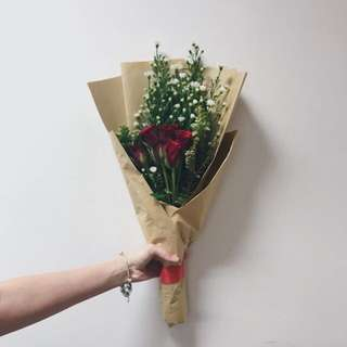 <CLOSED>REAL ROSES & PHOENIX VDAY BOUQUET