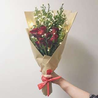 <CLOSED>VALENTINE'S DAY REAL ROSE BOUQUET