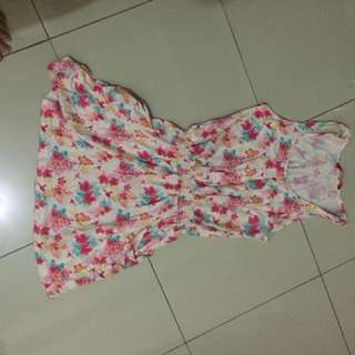 Dress bunga pink
