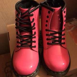 Dr. Martens 女童裝桃紅色 boots