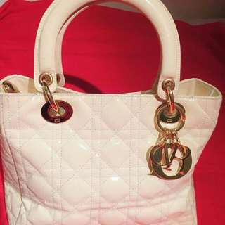 Christian Dior Habdbag Authentic 98 % New Pm If Interested