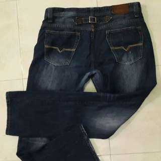 Guess Jeans (SOLD OUT)