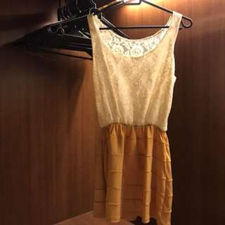 Lace dress Small