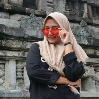 Kacamata jelly merah