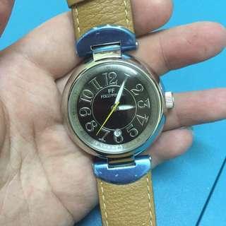 follifollie working 新錶、但是錶帶有瑕疵、有跡、 Not bargaining