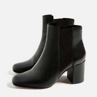 Zara genuine leather Chelsea boots