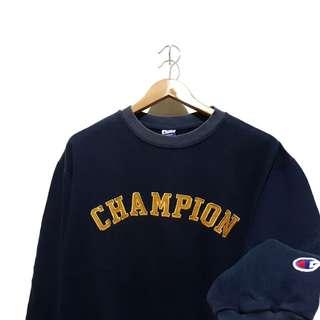Sweater sweatshirt crewneck champion emboridery gold script