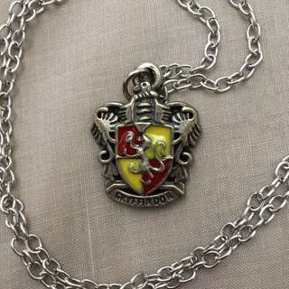 FREE SHIPPING: Hogwarts Gryffindor Necklace