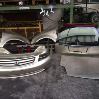 HONDA STREAM RN1 BODY PARTS