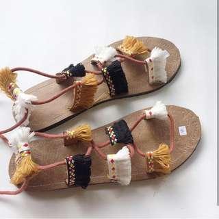 Sandals Etnik Tali Kuning
