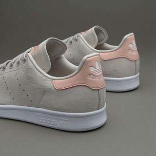 WOMENS STAN SMITH - PEARL GREY / FTWR WHITE / VAPOUR PINK - BB5048