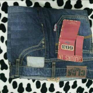 COLOURS IN JEANS