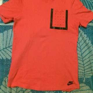 Nike tech shirt