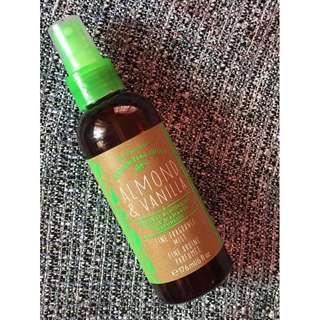 Bath & Body Works Essential Oils Almond & Vanilla Mist