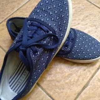 Regata shoes