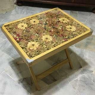 Dry flowers Glass top coffee table (wood)