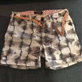 Ladies Size 26 Shorts with Belt