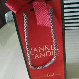 Yankee Candle (Purple)