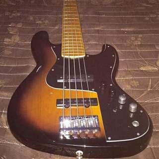 Bass Fender Marcus Miller v5