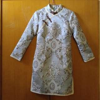全新旗袍夾棉淺藍連衣裙,拜年必備