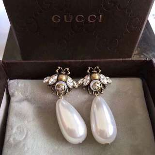 Gucci Dangle drop Pearl earrings (authentic)