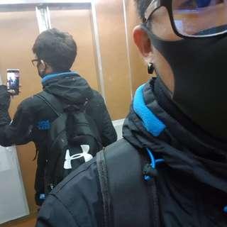 極度乾燥SUPERDRY 黑藍M號外套 高雄面交
