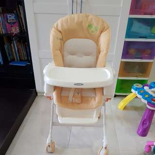 Combi Rashule Baby feeding high chair