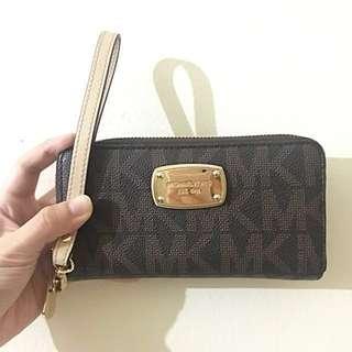Michael Kors Jet Set Large Multifunction Smartphone Wallet Wristlet — 100% Authentic!!
