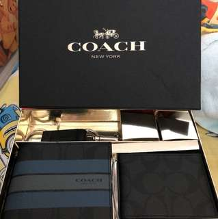 Coach wallet gift set with key ring and card holder