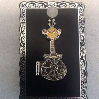 Hard Rock Cafe Pins - LAS VEGAS HOT 2011 3D BANK VAULT HINGED GUITAR!