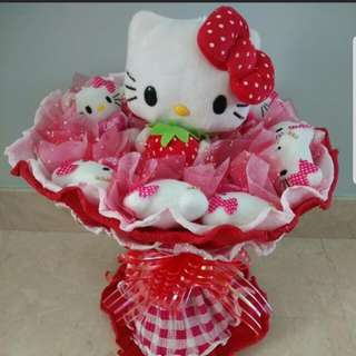 Greatly reduced !!Valentines Day special Promotion:Hello Kitty Bouquet