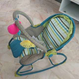 Baby rocker, changing platform, free playmat