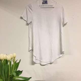 Aritzia free tshirt size small