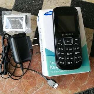 Samsung Keystone Cellphone