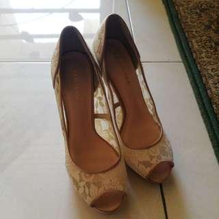 Primavera lace nude color shoes
