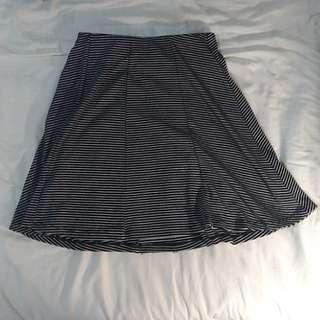🚚 Pull & Bear條紋短裙