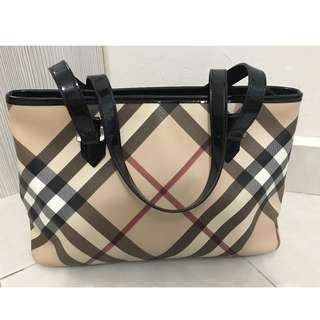 Preloved Burberry Tote 100% authentic