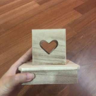 Wooden heart holder