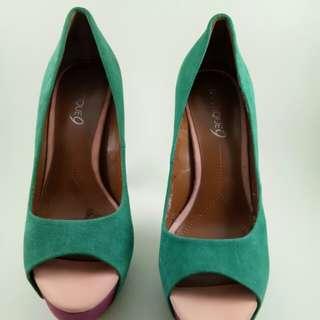 Sepatu Boutique 9