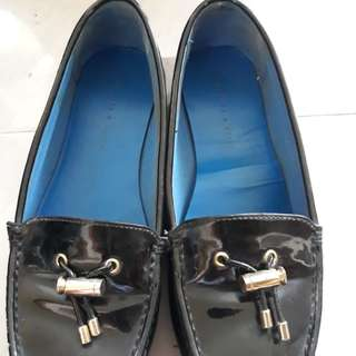 Reprice Charles & keith flatshoes