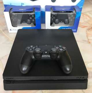 PS4 Slim 500GB w/ 3x DS4 controllers
