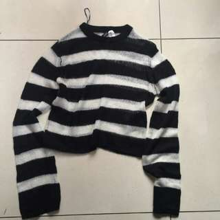 H&M black and white stripes sweater size XS Fit To small